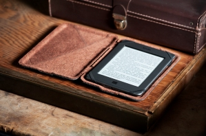 ReFleece Kindle brown desk