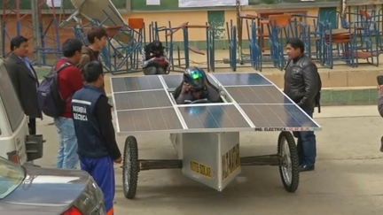 Boliva_low-cost silent solar car